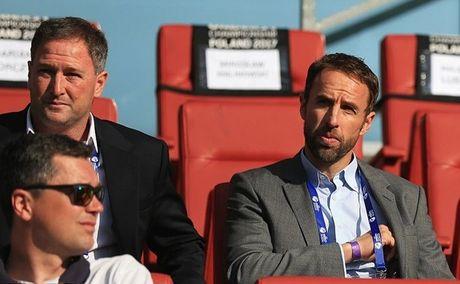 Sao Southampton dua U21 Anh tro ve tu coi chet - Anh 8
