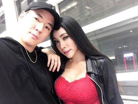 Chuyen tinh dong tinh cua cap doi sexy nhat Thai Lan - Anh 2