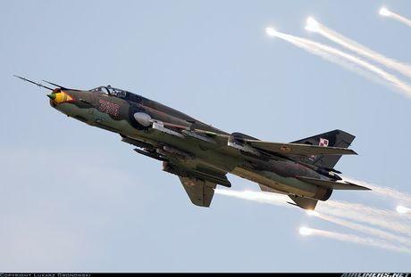 My ban roi may bay Syria: Su-22 chua tung danh thang tren khong - Anh 10