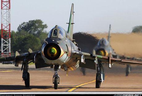 My ban roi may bay Syria: Su-22 chua tung danh thang tren khong - Anh 3