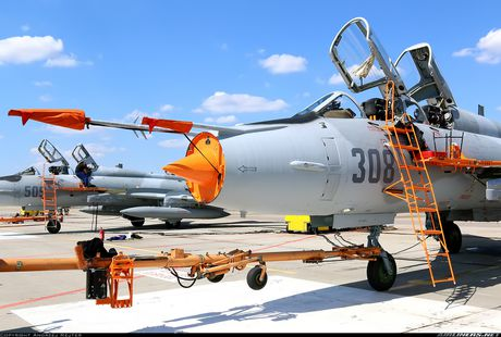 My ban roi may bay Syria: Su-22 chua tung danh thang tren khong - Anh 4