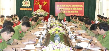 Thu truong Bo Cong an kiem tra cong tac ANTT tai Ha Tinh - Anh 1