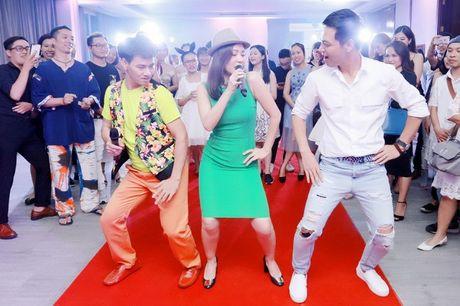 Thu Minh nhay sung het co cung Xuan Bac, Phan Anh - Anh 2