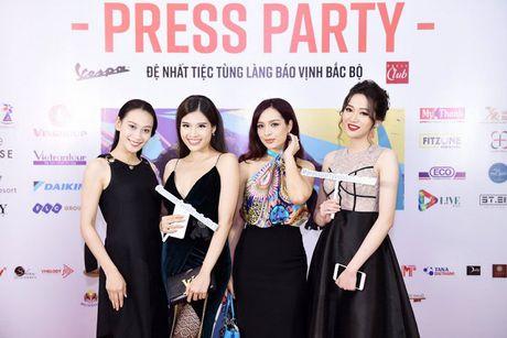 Thu Minh nhay sung het co cung Xuan Bac, Phan Anh - Anh 8