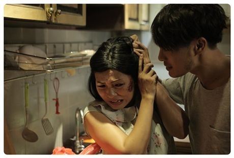 Phuong Thanh dua nan bao hanh gia dinh len phim ngan - Anh 1