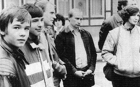 Tong thong Nga Vladimir Putin tiet lo ve 'co duyen' den voi KGB - Anh 1