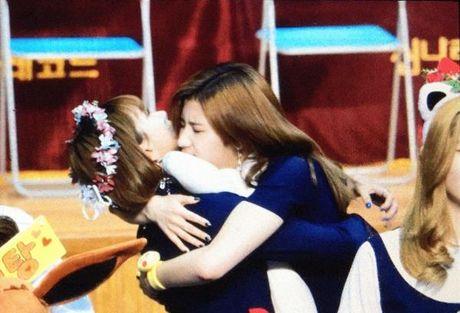 Chae Young 'phan biet doi xu' giua Sana va Mina - Anh 3