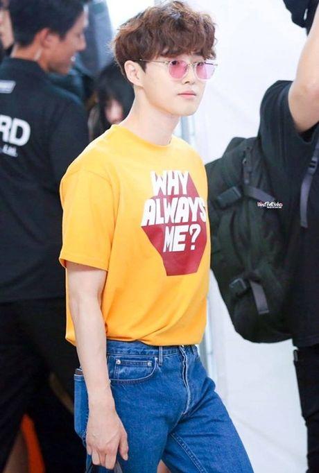 Twice mat moc lo ve met moi, EXO giau toc o san bay - Anh 6