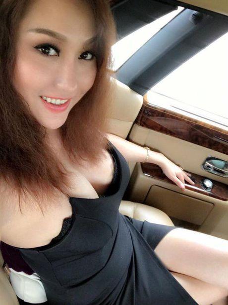 Phat hoang thoi trang di lam nhu di bien cua Phi Thanh Van - Anh 2