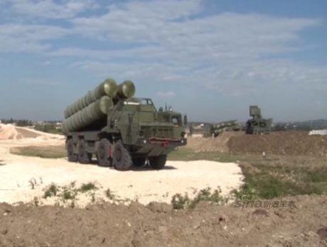 Nga duong S-400, san sang ban ha may bay My tren bau troi Syria - Anh 10