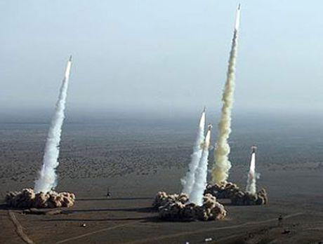 Nga duong S-400, san sang ban ha may bay My tren bau troi Syria - Anh 14