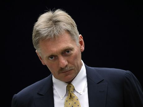 Kremlin len tieng ve ke hoach tai hoa nhap Donbass cua Ukraine - Anh 1
