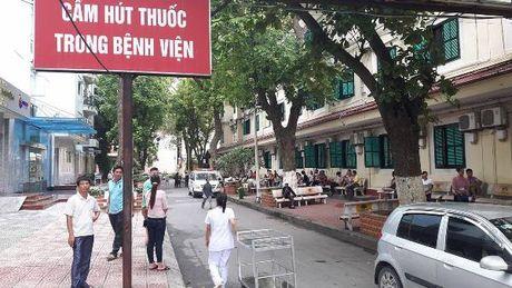 """BV Viet Duc: Tao nhieu lop """"bao ve"""", noi khong voi thuoc la... - Anh 1"""