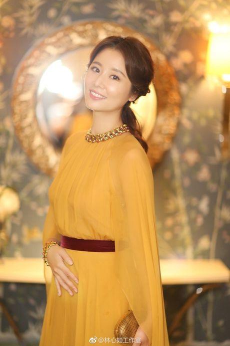 Lam Tam Nhu 'toa sang' lung linh voi sac vang quyen quy - Anh 3