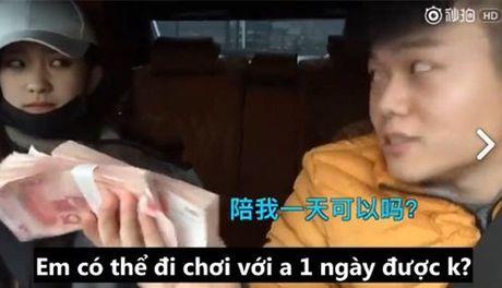 Thu nguoi yeu bang tien, chi 10 phut cham chan, chang trai nay se an han ca doi - Anh 8