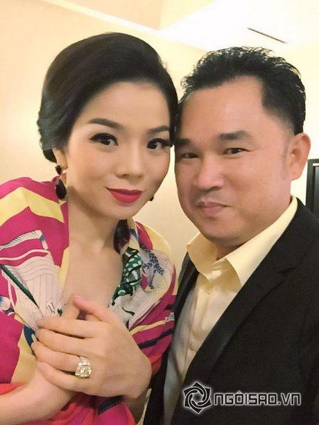 'Ong trum bau show' Qui Ngoc: 'Toi khong thich nghe si goi toi la bau show' - Anh 8