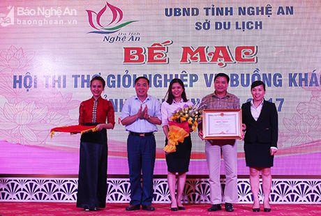 Ton vinh 17 tho gioi nghiep vu buong khach san nam 2017 - Anh 1