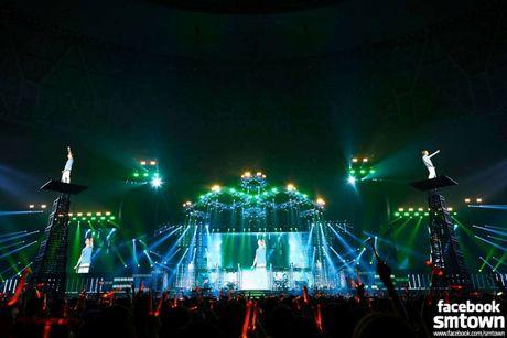 Nhung khoanh khac chang the quen tu 3 'vi vua' di tour cua Kpop - Anh 6