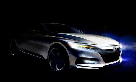 Honda Accord 2018 - doi thu Toyota Camry lan dau lo dien - Anh 1
