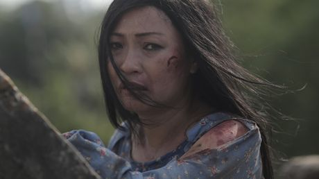 Soc voi canh Phuong Thanh be bet mau trong phim ngan bao hanh gia dinh - Anh 1