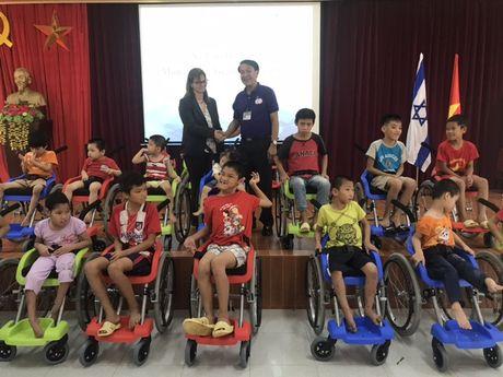 ''Xe lan hy vong' cua Israel toi Viet Nam - Anh 2