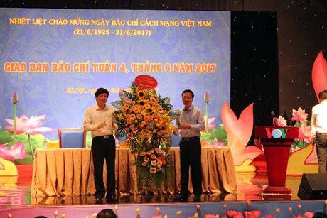 Bao chi vuot qua chuyen tam thuong roi moi noi su menh cao ca - Anh 2