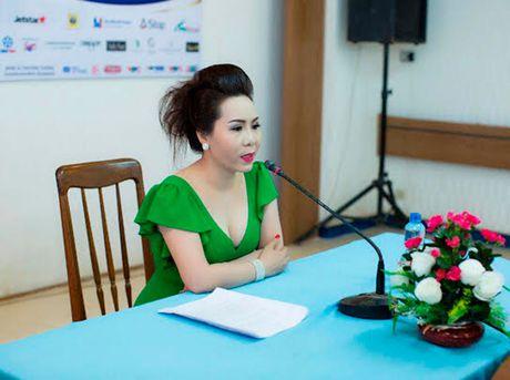 Nu hoang Kim Chi voi nghe thuat thuyet trinh thu hut tai Hoa hau Asean 2017 - Anh 1