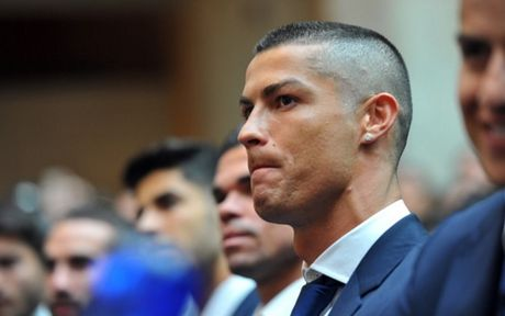 Florentino Perez: 'Ronaldo dang rat tuc gian voi bao chi' - Anh 1