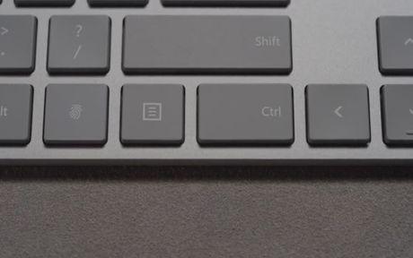 Ban phim Modern Keyboard cua Microsoft co chua dau doc dau van tay - Anh 1