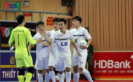 Giai Futsal VDQG HDBank 2017: Hong kich tinh vao phut chot - Anh 1