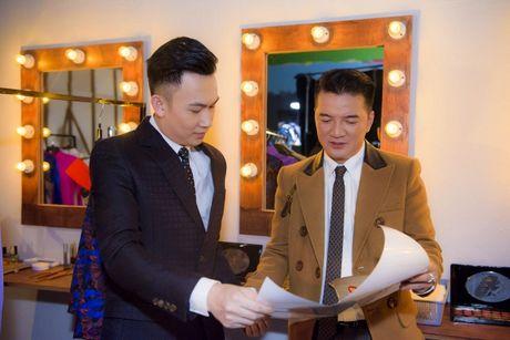 Le Quyen, Hoai Lam xuat hien thu vi trong trailer liveshow bolero 10 ty cua Mr Dam - Anh 6
