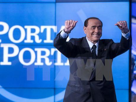 Italy: Ong Berlusconi bac kha nang lien minh voi cuu Thu tuong Renzi - Anh 1