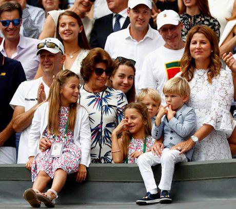 Federer la ong bo mau muc, cham lam viec nha, khong lam duoc thi nho... huan luyen vien - Anh 4