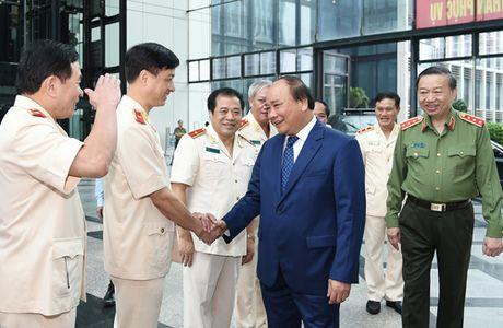 Thu tuong: CSND can lang nghe tieng noi nhan dan de hoan thien minh - Anh 2