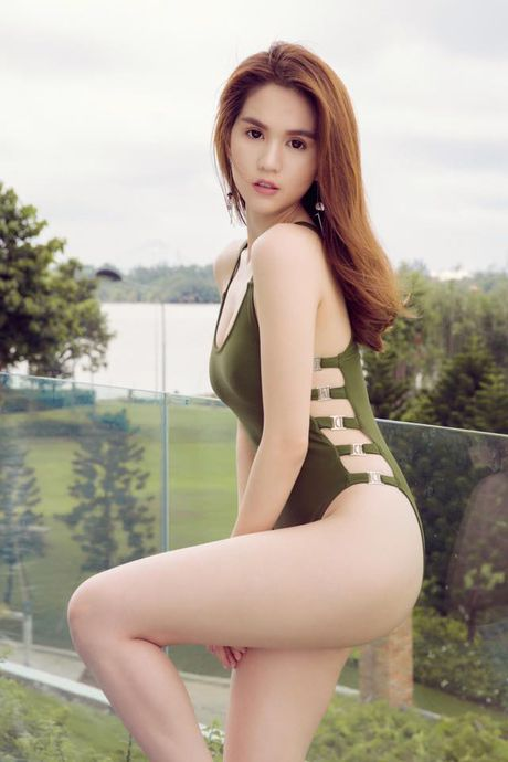 Ngoc Trinh tung clip 'dien sau' khoe nguc day sau on ao anh 'nong' - Anh 1