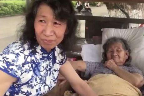 Cam dong ly do nguoi dan ong nay mac vay cua em gai suot 20 nam - Anh 1