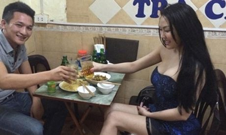 Kiem tien ty, Hoai Linh va nhung sao Viet nay van nghien tra da via he - Anh 13