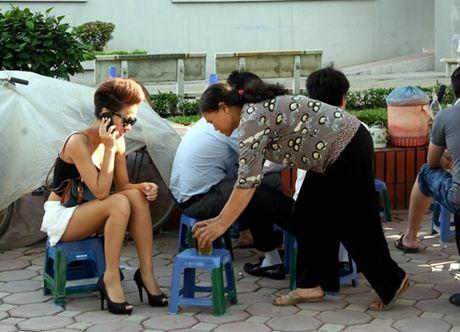 Kiem tien ty, Hoai Linh va nhung sao Viet nay van nghien tra da via he - Anh 5