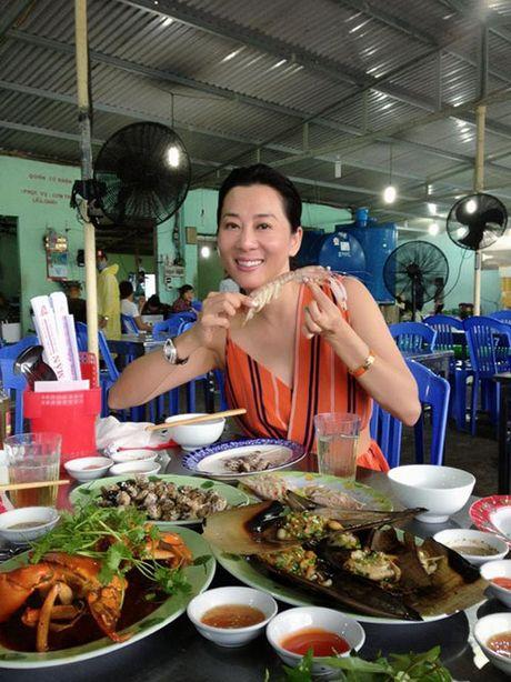 Kiem tien ty, Hoai Linh va nhung sao Viet nay van nghien tra da via he - Anh 9
