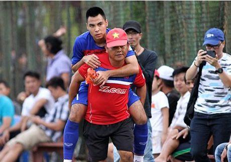 Duc Huy lo co hoi tham du vong loai giai U23 chau A 2018 - Anh 1