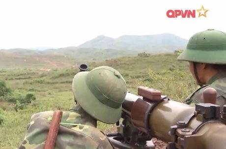 Dang ne sung chong tang SPG-9 do Viet Nam san xuat - Anh 5
