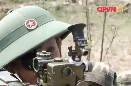 Dang ne sung chong tang SPG-9 do Viet Nam san xuat - Anh 8
