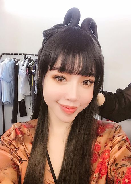 Hot Face sao Viet 24h: Elly Tran hoa Hang Nga goi cam - Anh 2