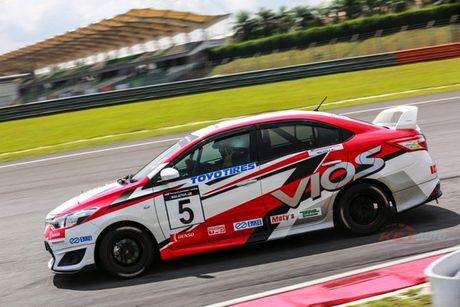 Toyota Vios phien ban 'xe dua' gia 452 trieu dong - Anh 4