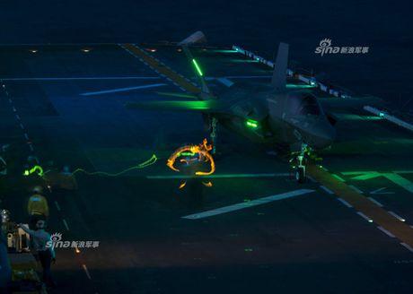 Tau do bo My mang F-35B huong ve ban dao Trieu Tien - Anh 8