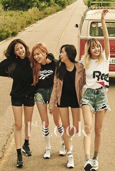 4 girl group vua ra mat da lien tuc gianh cup - Anh 4