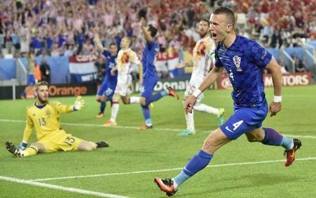 Perisic ve MU 48 trieu bang: Dao nhu Ronaldo, tat nhu Beckham - Anh 2