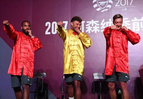 Arsenal den Thuong Hai: Dan SAO 100 trieu bang hoc vo Tau - Anh 1