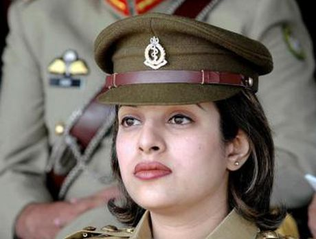 Ve dep cuon hut say long nguoi cua nu binh si Pakistan - Anh 12