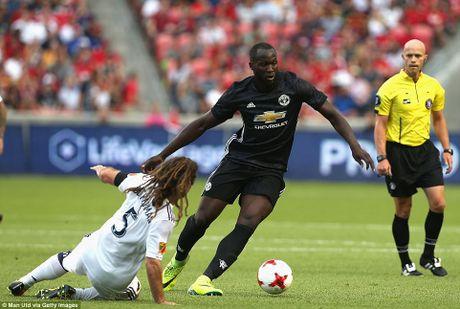 Lukaku da biet ghi ban, Mourinho tam tho phao - Anh 1